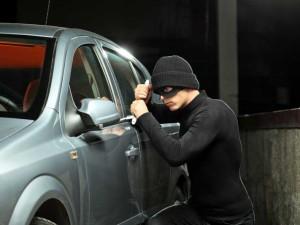 Tips DR OTO : Tips Amankan Mobil Dari Pencuri
