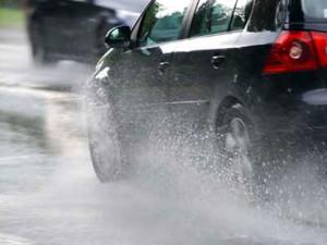 Perawatan Mobil Saat Musim Hujan