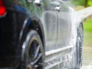 Tips Mencuci Mobil Sendiri Agar Mobil Bersih dan Berkilau